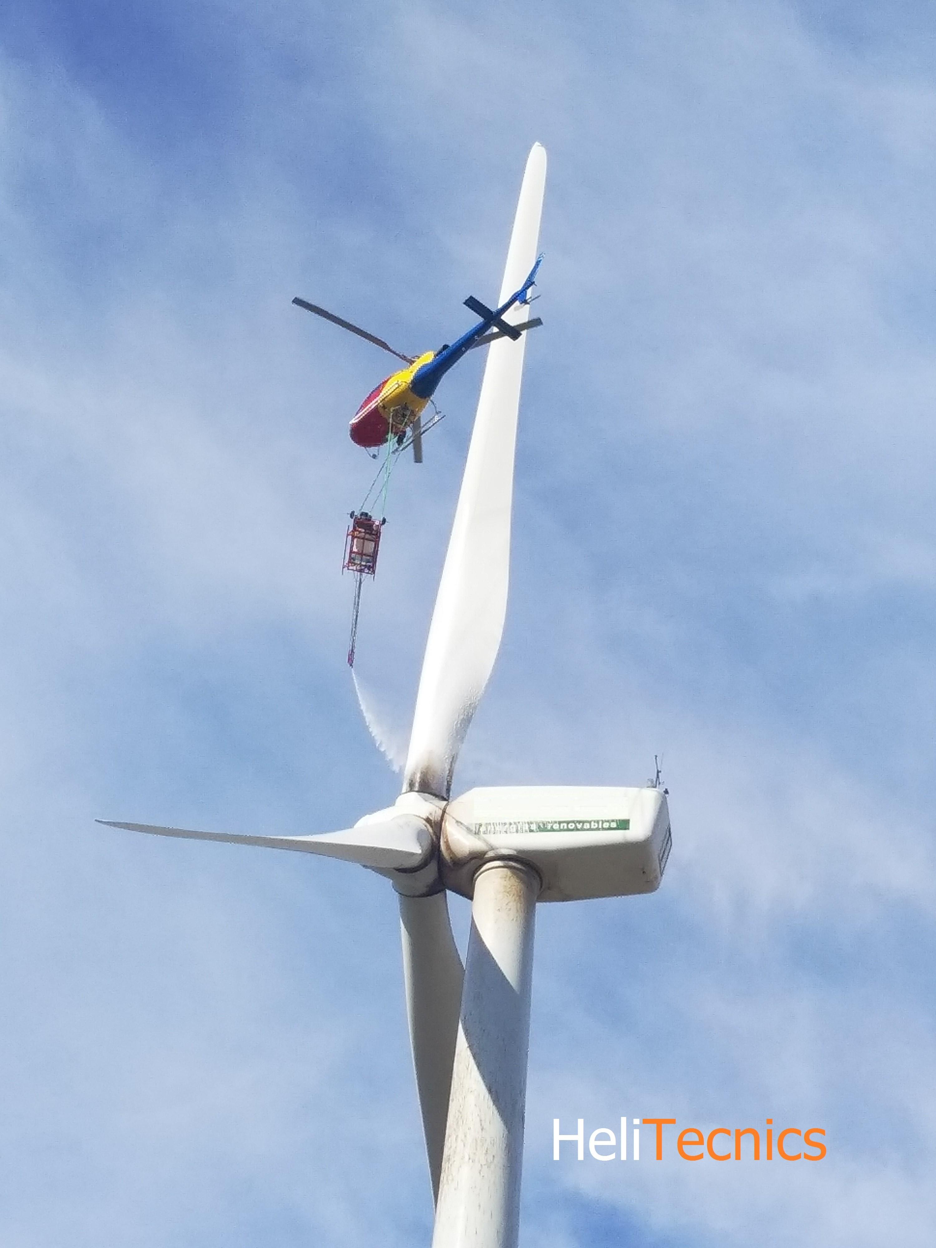 limpieza de aerogeneradores con helicoptero